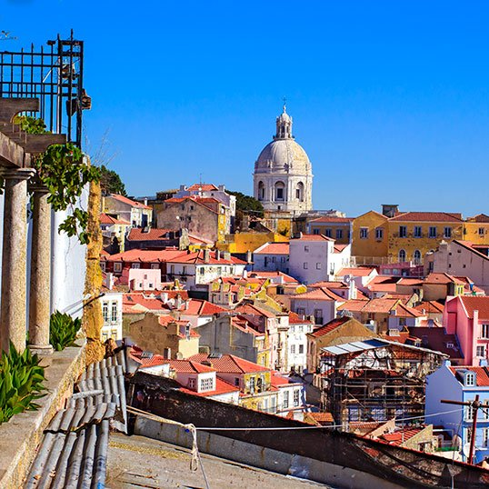 1 day in Lisbon: view to Alfama